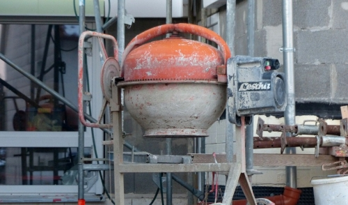 Operating An Electric Concrete Mixer