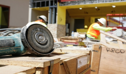 How Contractors Keep Up With Construction Industry Trends