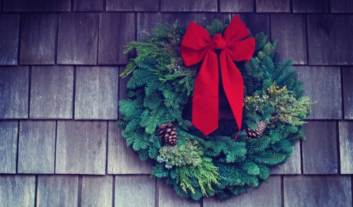 How to Keep Your Live Wreaths, Swags and Garlands Alive Through the Holidays