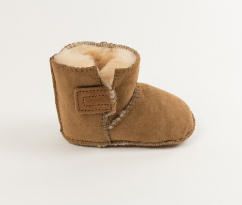 Minnetonka Infants' Sheepskin Pug Bootie
