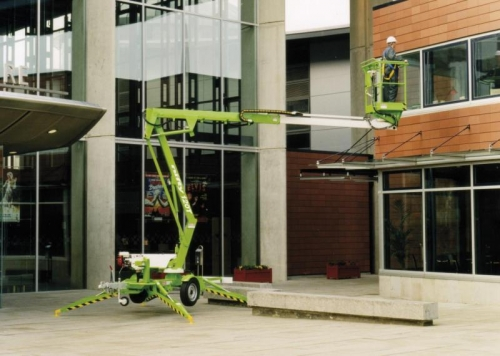 40' Electric Towable Boom Lift