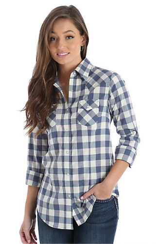 WOMEN'S WRANGLER® LONG SLEEVE POINTED YOKE WESTERN SNAP PLAID SHIRT