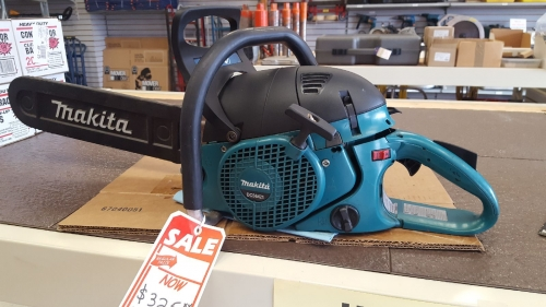 Used Chain Saw - Makita 20