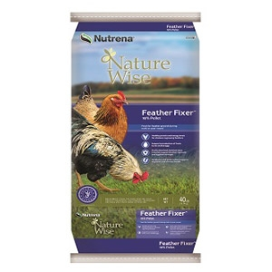 Nutrena® NatureWise® Feather Fixer Poultry Feed