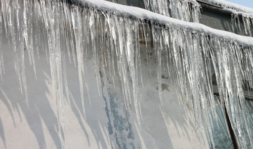 Roofing Tip: Preventing Ice Dams