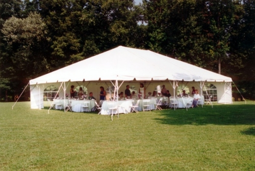 choosing the best tent for any outdoor event