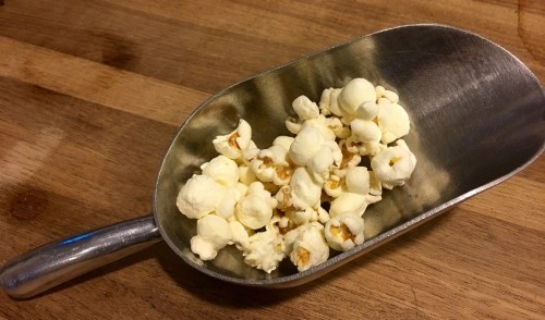 How to Use a Popcorn Popper