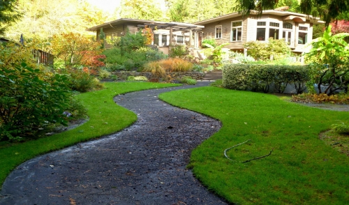 Beautify Your Lawn with Walkways and Fencing
