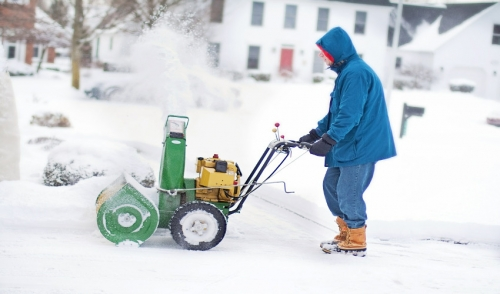 How to Use a Snow Blower Effectively