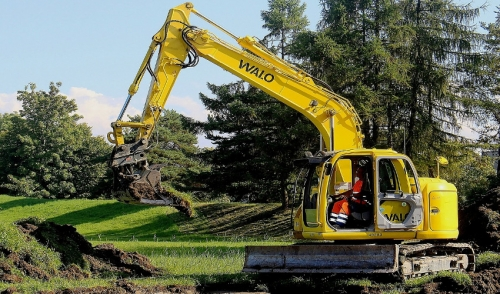 How to Use a Mini-Excavator