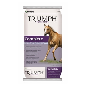 Nutrena® Triumph Complete Horse Feed