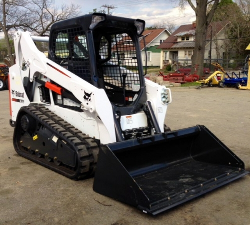 Bobcat T590 Tracked Loaders (Open Cab) (3 Units Available)