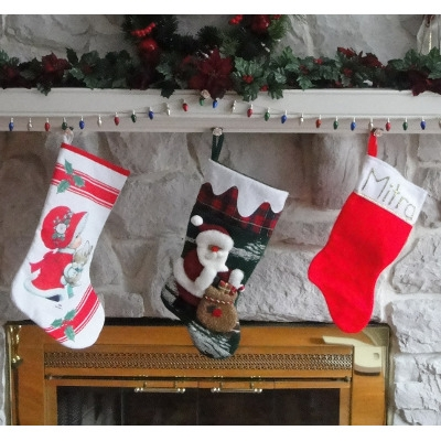 Tree Toppers, Skirts, Stockings & Table Runners