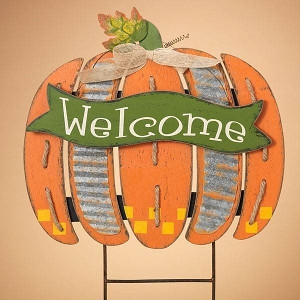 Harvest 'Welcome' pumpkin yard sign
