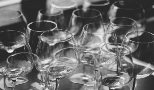 Selecting the Right Glassware for Your Big Day