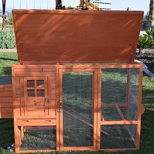 SANTA FE MOBILE CHICKEN COOP