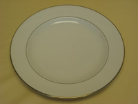 Dinner Plate Diplomat/ Off White With Gold Band