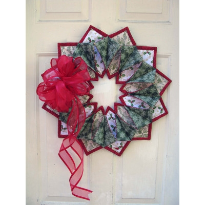 Fold n Stitch Wreath Pattern by Poorhouse Quilt Designs