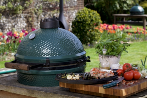 The Big Green Egg: The Ultimate Outdoor Cooking Experience