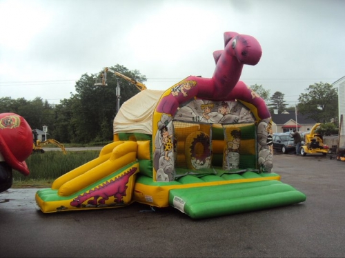 DYNO W/SLIDE BOUNCE HOUSE