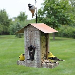 Nature's Way Rustic Vertical Feeder